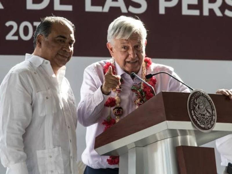 Promete AMLO equipar hospital de Chilapa, Guerrero