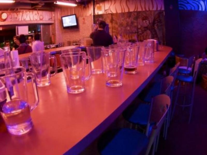Prometen acelerar pago de apoyos a bares y antros