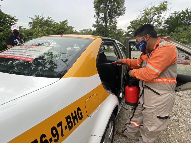 Promoveran taxistas uso de cubrebocas para prevenir contagios de COVID-19