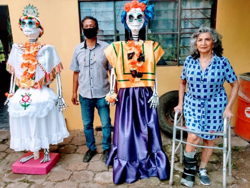 Promueven tradiciones mexicanas mediante artesanías