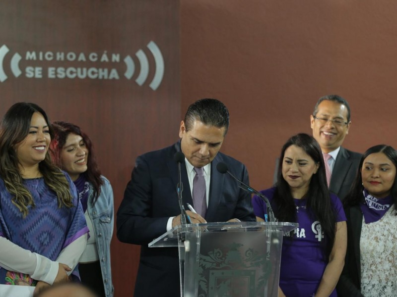 Promulgan ley Olimpia en Michoacán