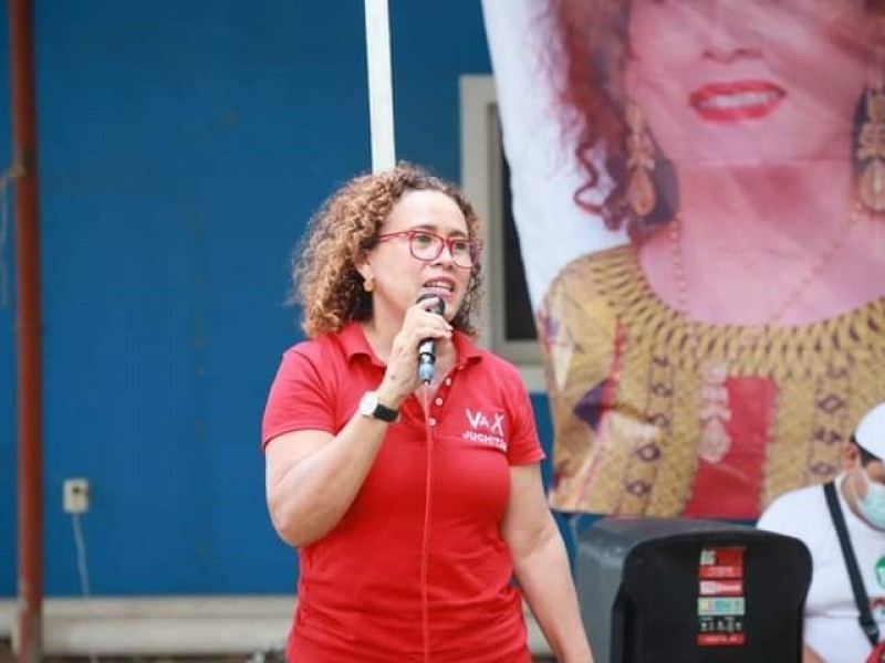 Propone Mayra Herrera impulso a la educación en Juchitán