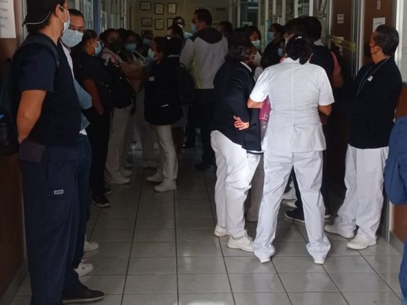 Protestan ante posible recorte de personal en el INSABI