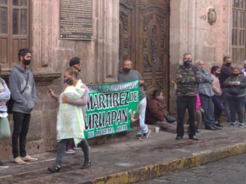 Protestan comerciantes en Palacio Municipal de Morelia