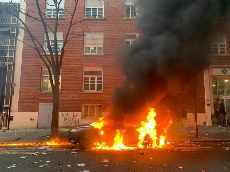 Protestan en 90 ciudades francesas contra ley de seguridad