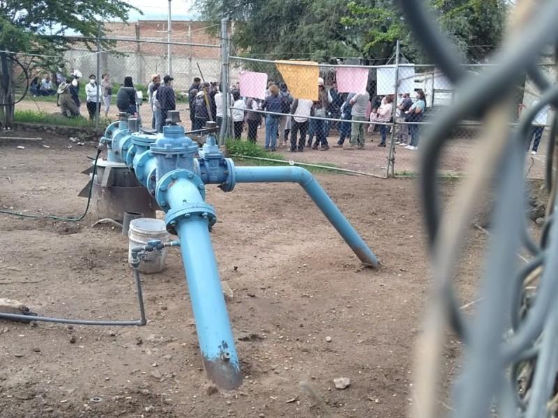 Protestan en Tlajomulco por pipas que extraen agua de pozo