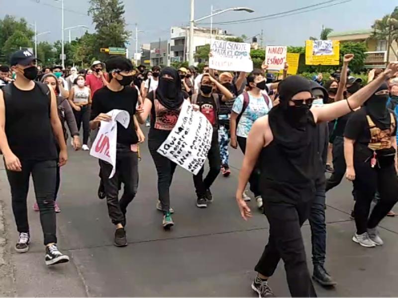 Protestan estudiantes de UdeG por represión en manifestaciones por Giovanni