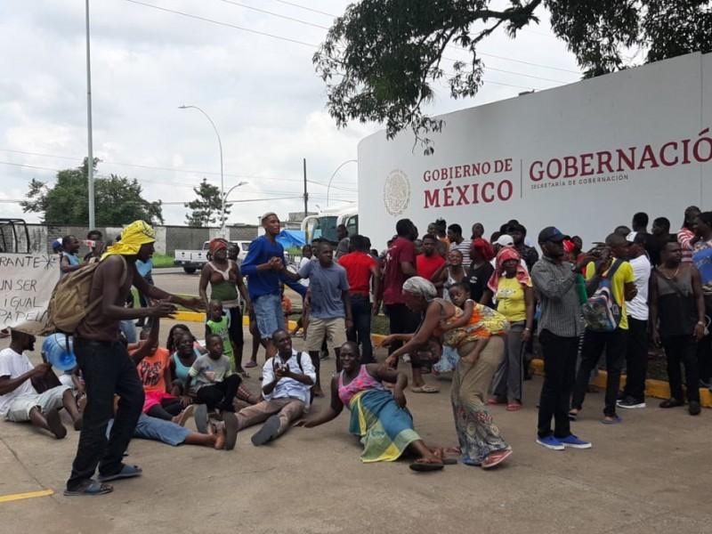 Protestan migrantes ante demora de tramites en Tapachula
