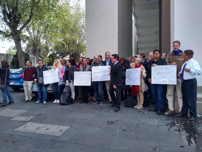 Protestan músicos contra despidos en OSEM