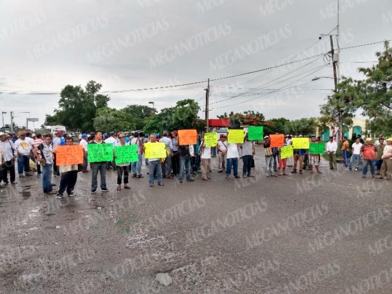 Protestan pescadores en Juchitán