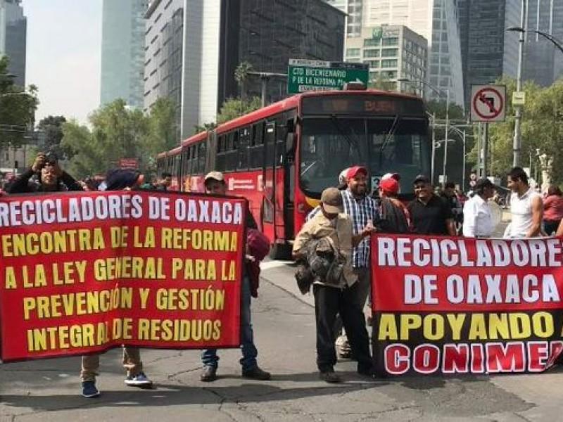 Protestan recicladores y afectan vialidades