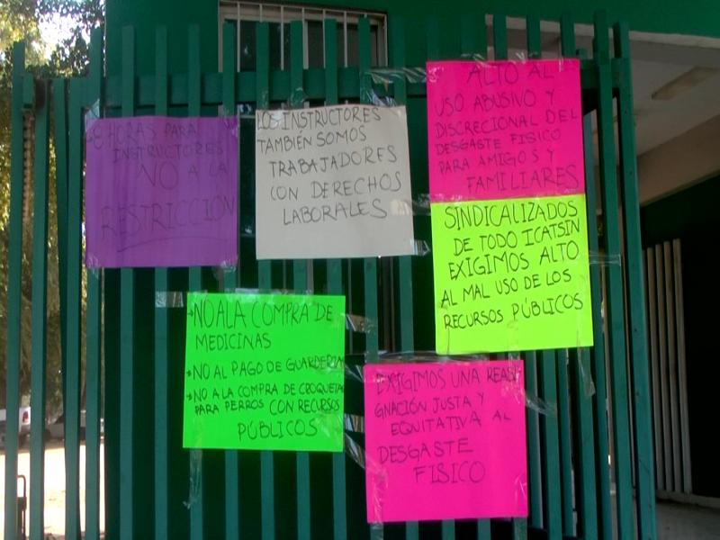 Protestan sindicalizados de ICATSIN en Sinaloa