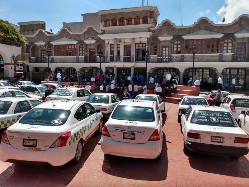 Protestan taxistas contra la inseguridad en Ocoyoacac