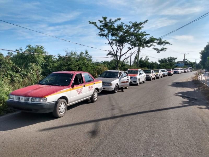 Protestan taxistas en Unión Hidalgo por disputa de pasaje