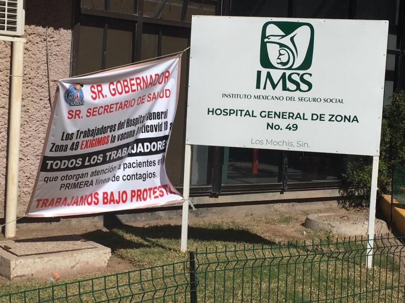 Protestan  trabajadores de la Clínica 49 del IMSS