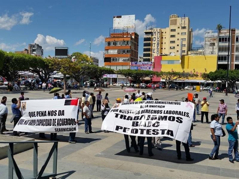 Protestas de trabajadores de la Unicach