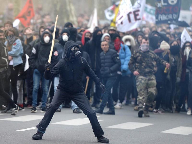 """Protestas en Francia contra """"gasolinazo"""