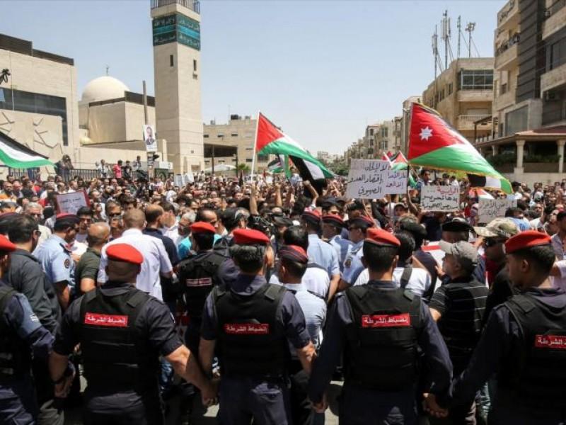 Protestas en Jordania exigen renuncia de Primer MInistro