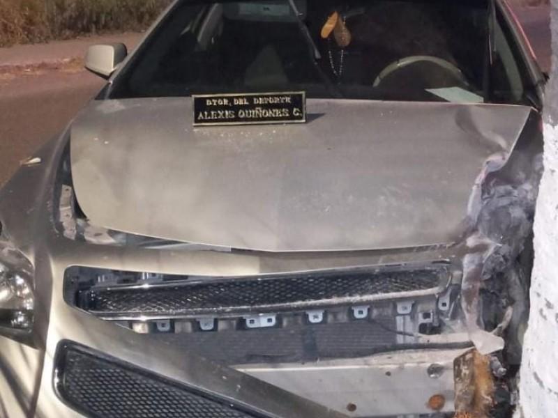 Provoca accidente  y deja auto en abandono