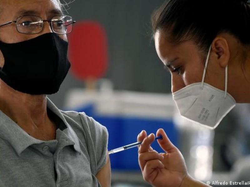 Publicó Bienestar calendario de vacunación para docentes