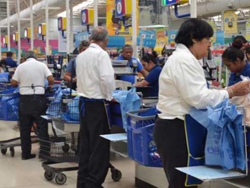Pueden adultos mayores volver a trabajar como empacadores: INAPAM