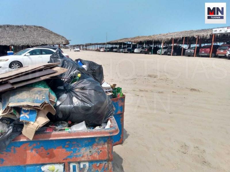 Puente largo dejó 45 tons de basura en la playa
