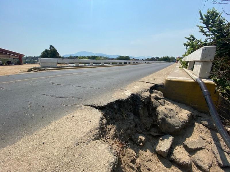 Puente vehicular de Petatlán será reconstruido por la SCT