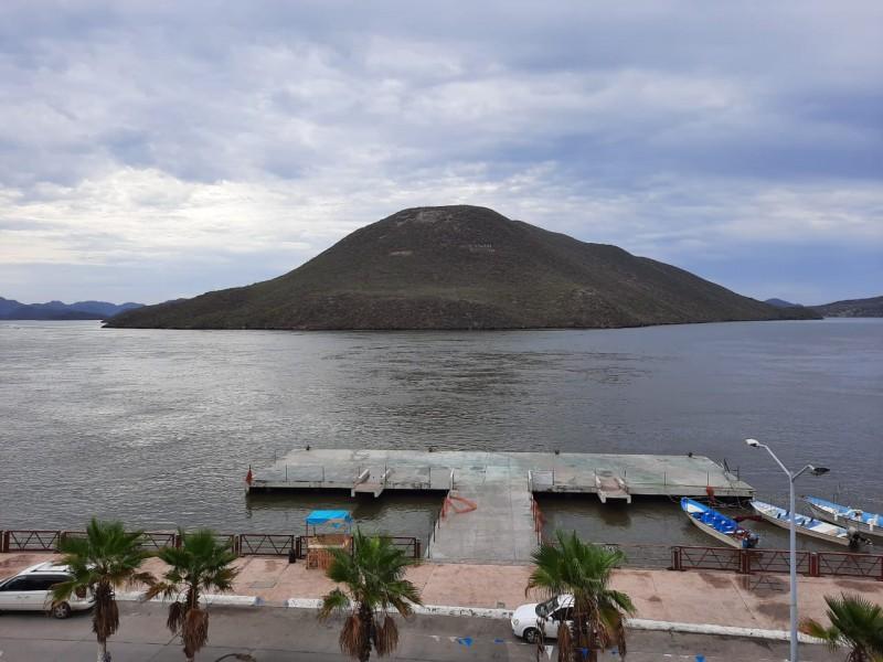 Puerto de Topolobampo continúa cerrado a la navegación