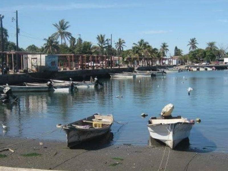 Puerto de Yavaros continúa abierto tras amenaza de