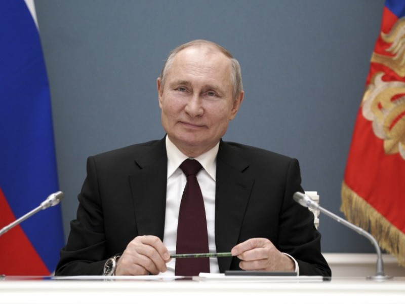 Putin afirma tener buen nivel de anticuerpos contra Covid-19
