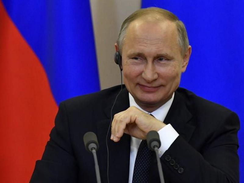 Putin exhorta a sus ciudadanos a vacunarse contra Covid-19