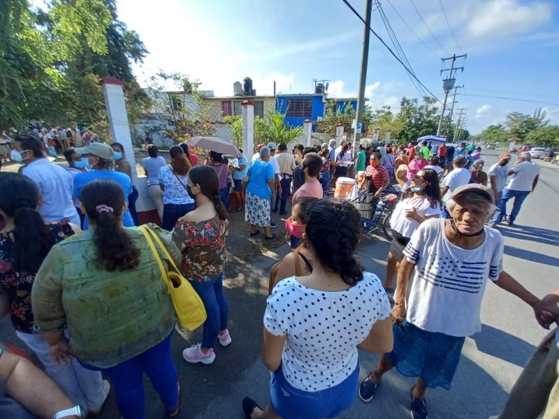 Quejas en jornada de inscripción de 65 y Más Tuxpan