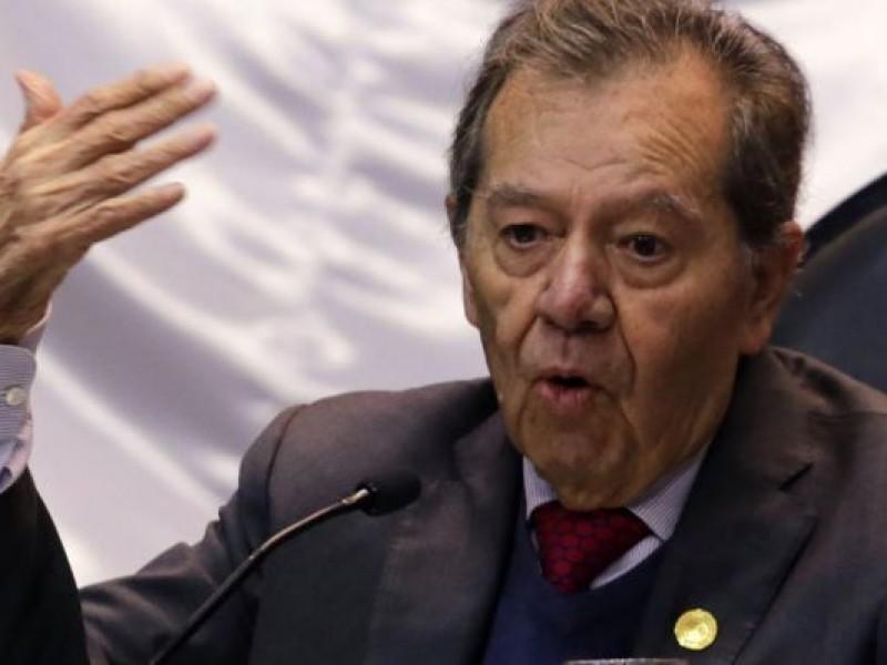 Quitar aguinaldos y reducir salarios viola la Ley: Muñoz Ledo