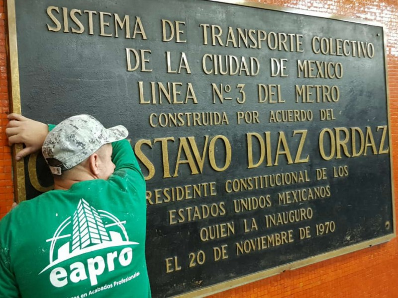 Quitarán del Metro placas de autoridades del 68