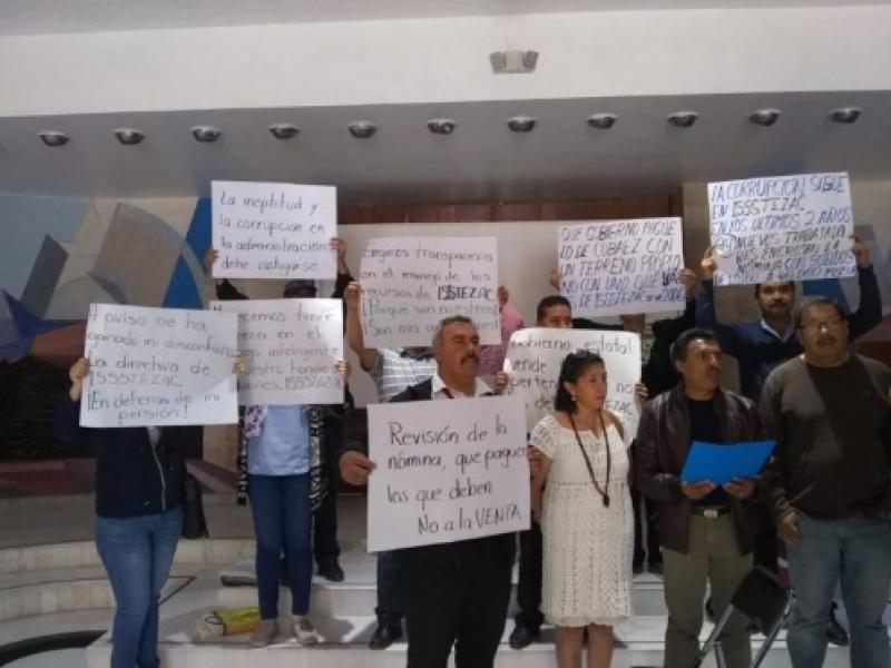 Radicalizarán inconformidad por venta de terrenos del ISSSTEZAC