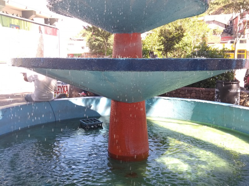 Reactivan fuentes instaladas en primer cuadro de Nogales