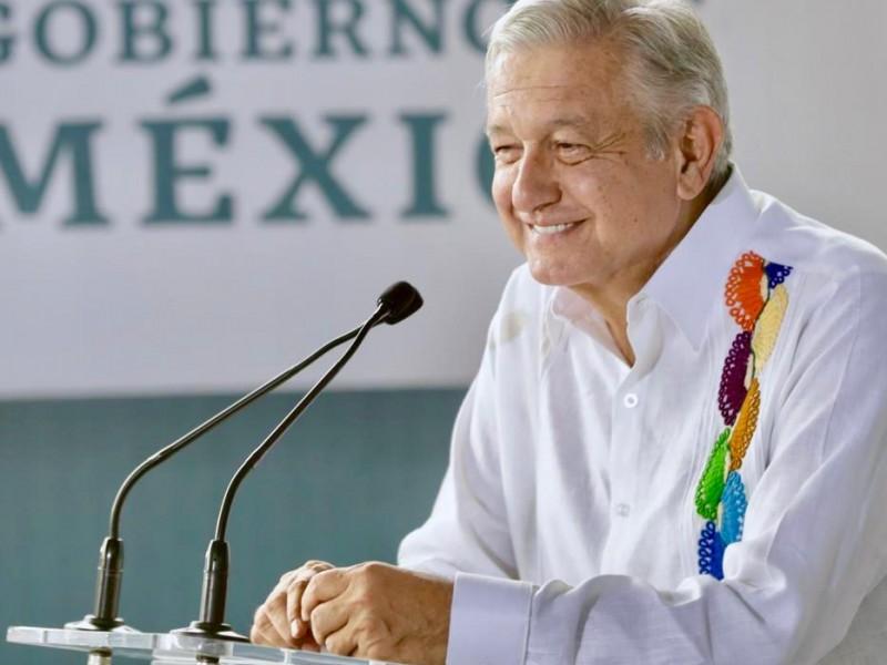 Realiza AMLO gira por Oaxaca y Veracruz