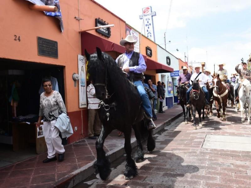 Realiza Bronco cabalgata en Querétaro
