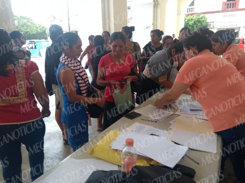 Realizan firmas de convenios para programas sociales