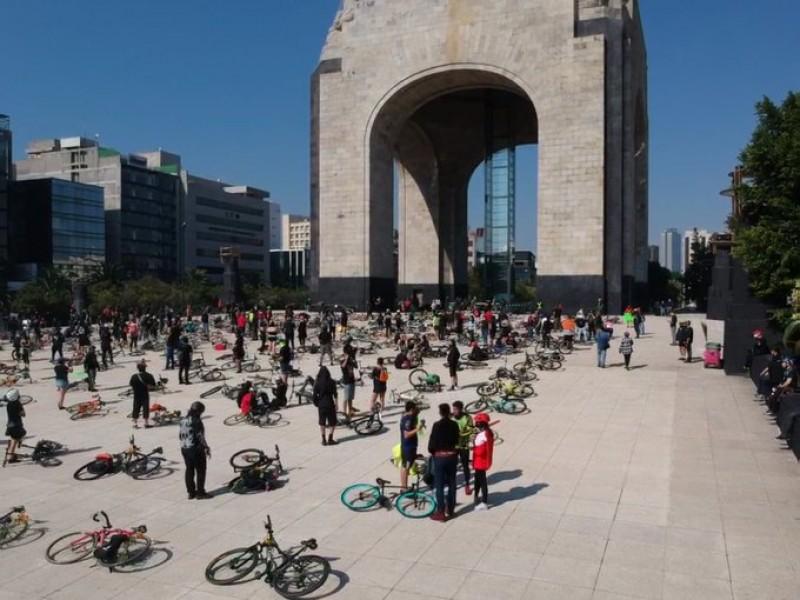Realizan homenaje a ciclistas que murieron en accidentes viales