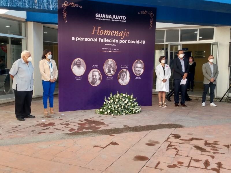 📹Rinden homenaje a personal fallecido por Covid en Salamanca