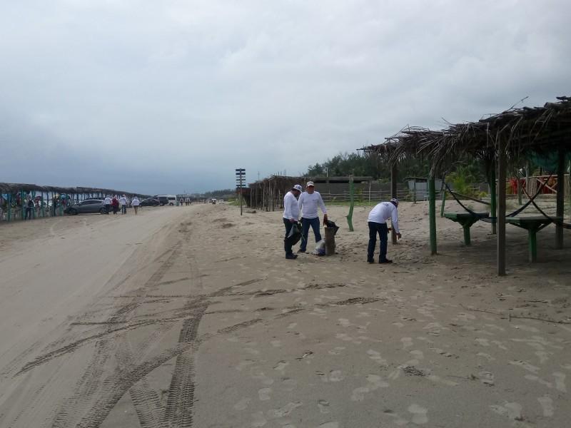 Realizan limpieza de playas de Tuxpan