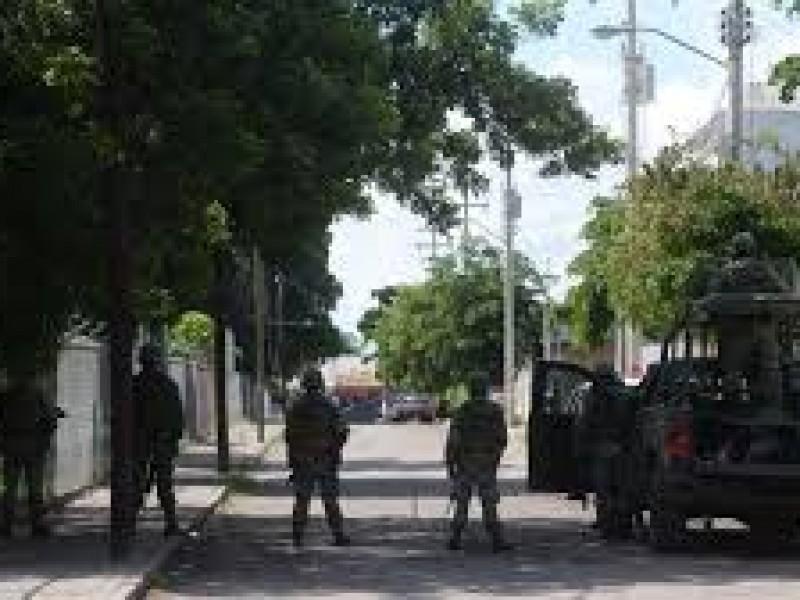 Realizan militares recorridos de vigilancia en Culiacán