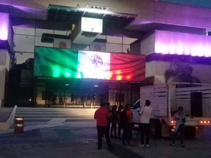 Realizan mitin normalistas frente a Palacio de Gobierno