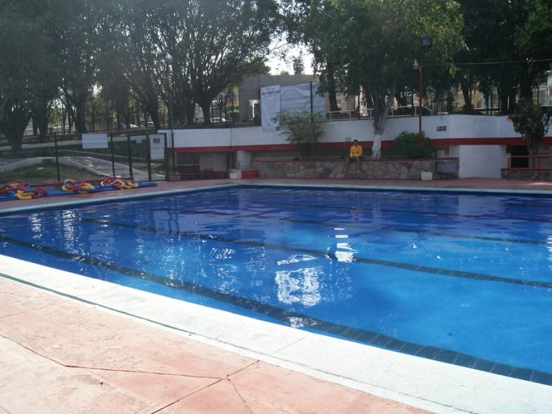 Reabren  albercas públicas en Guadalajara.