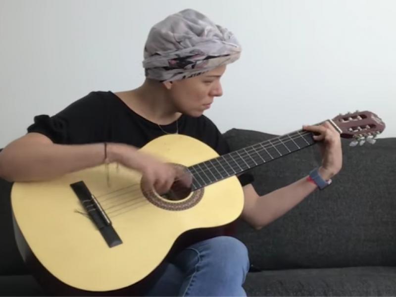 Rebeca Godoy, lanza cover para apoyar a personas con cáncer