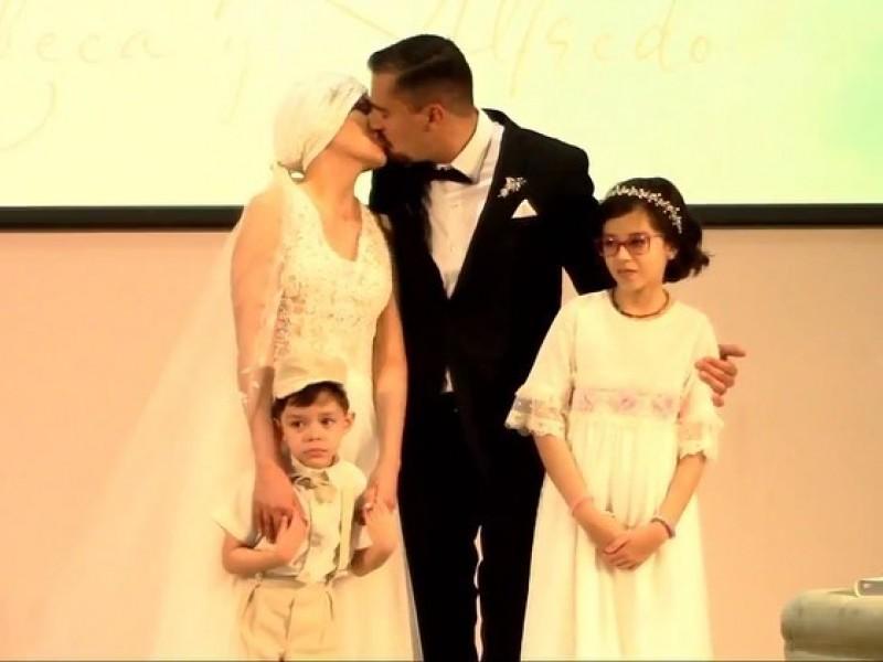 Rebeca y Alfredo llegan al altar, la boda mas esperada