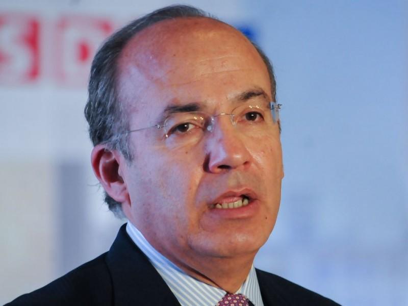 Recaban firmas contra visita de Calderón al Tec