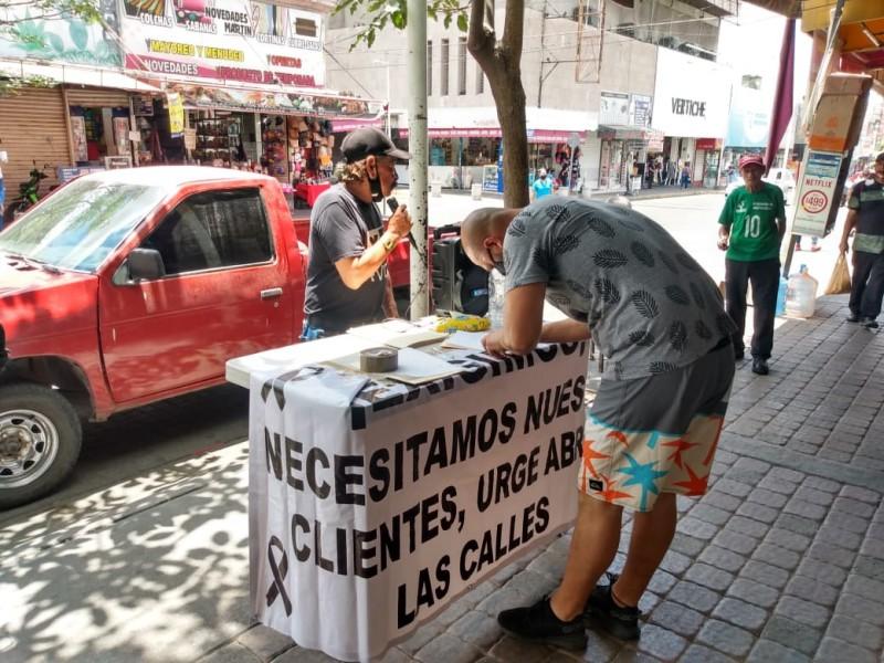 Recaban firmas para regresar paraderos  de camiones