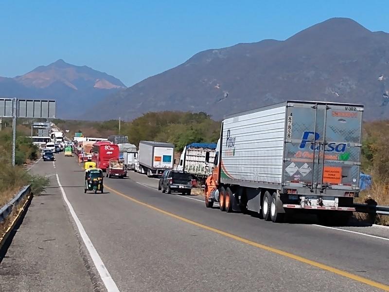 Rechazan empresarios la permisividad del gobierno ante bloqueos carreteros